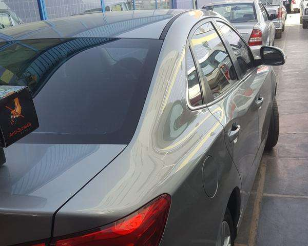 شیشه دودی اتومبیل با ضما نت دوساله درمحل شما